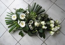 Dessus de cercueil blanc