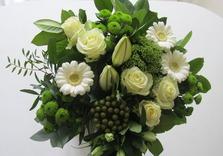 Bouquet dans les tons blanc